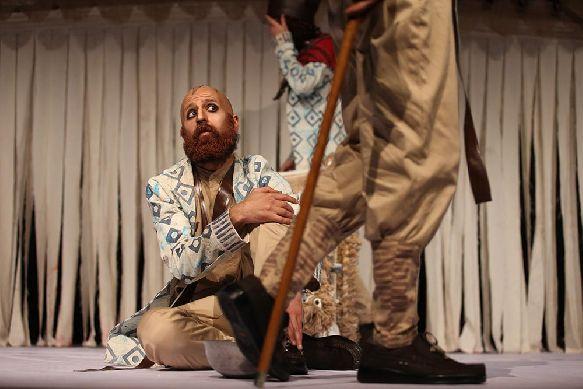 حرفهایهای تئاتر لُرستان به تهران آمدند
