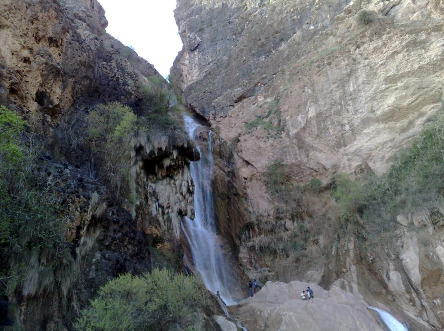 چگونه به آبشار نوژیان سفر کنیم