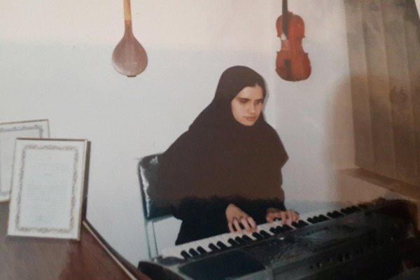 رویا مطلبی نوازنده نابینا: موسیقی عشق است