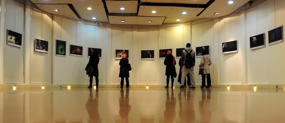 افتتاح دو نمایشگاه کاریکاتور و عکس در خرمآباد