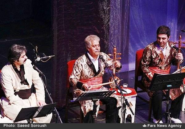 اجرای موسیقی به افتخار شهدای لُر و کرد