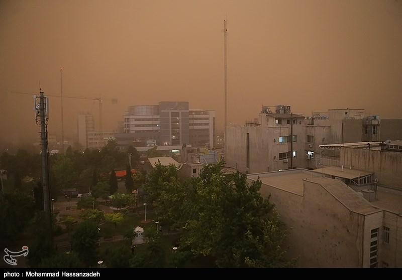 گردوغبار با سرعت ۷۰ کیلومتر در تهران