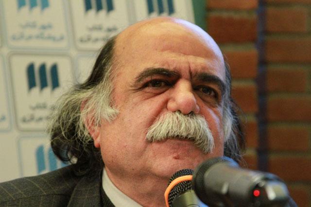 هشدار کزازی در مورد لغزشهای زبان پارسی