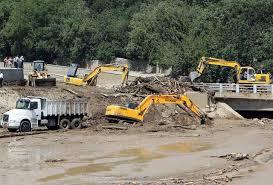 سیلاب شب گذشته جان ۱۲ نفر را گرفت