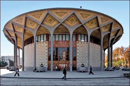 ریزش بخشی از سازه فلزی تئاتر شهر