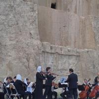 کنسرت دوستی ایران و فرانسه در نقش رستم