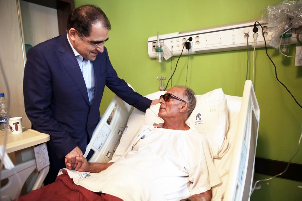 عیادت وزیر بهداشت از کیارستمی