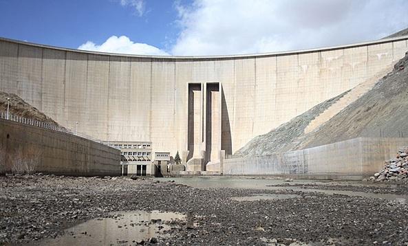 منابع آب استان اصفهان همچنان در وضعیت قرمز