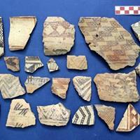 کشف سفالهای ۸هزار ساله در شازند