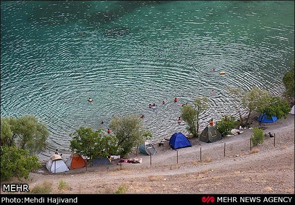 دریاچه گهر جای قایق موتوری نیست