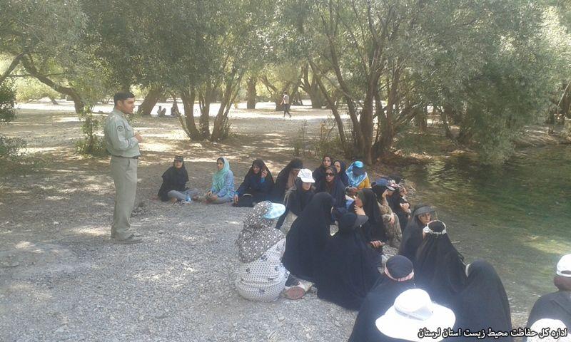 آموزش بیش از ۲هزار گردشگر در دریاچه گهر