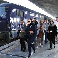 قطار گردشگران هزارویک شب به نصف جهان میآید