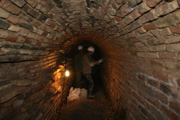 کشف بخشی از سازههای آبی زیرزمینی در شهر تاریخی اصفهان