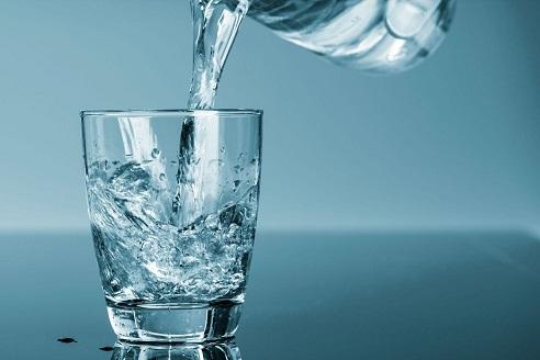 آب هزار تومانی را ۴۵۰تومان میفروشیم