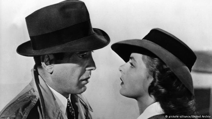 پوستر ۷۰ ساله فیلم کازابلانکا ۴۷۸ هزار دلار