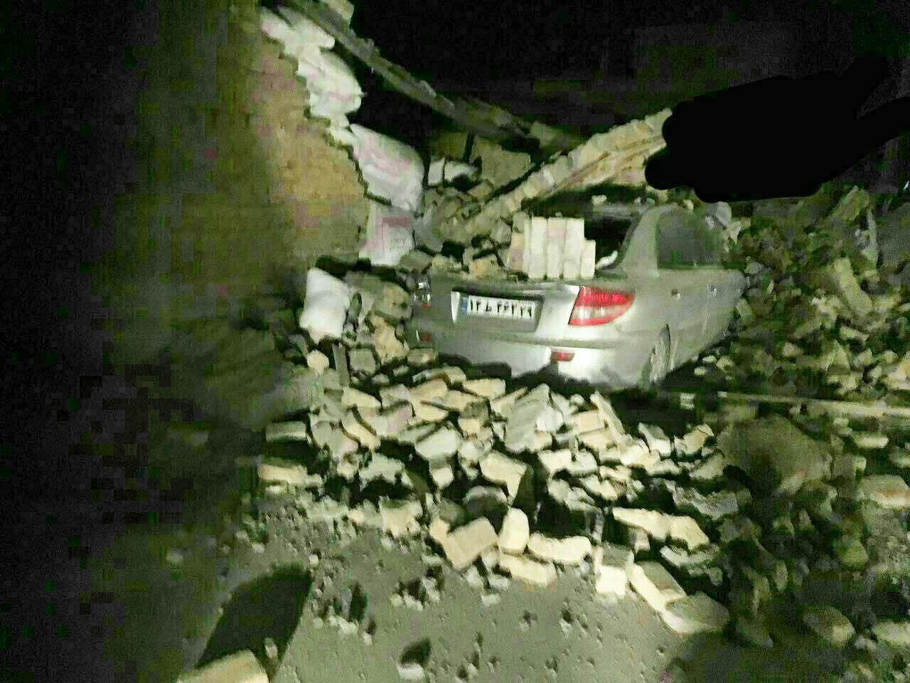 ۲ نفر در قصرشیرین زیر آوار زلزله فوت کردند