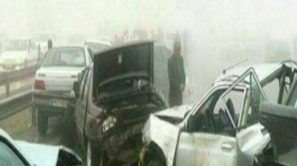۸ کشته و زخمی در تصادف زنجیرهای آزادراه خرم - زال