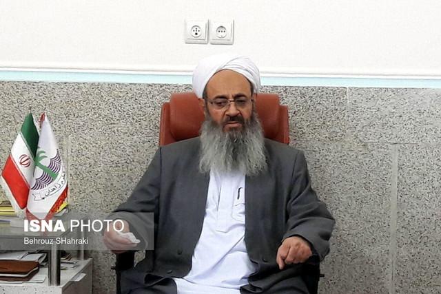 مولوی عبدالحمید: احمدینژاد باید مراعات کند!