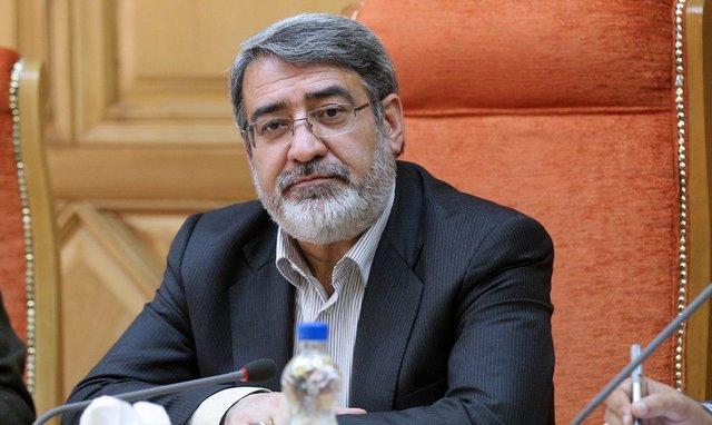 وزیر کشور در تلویزیون از زلزله تهران میگوید