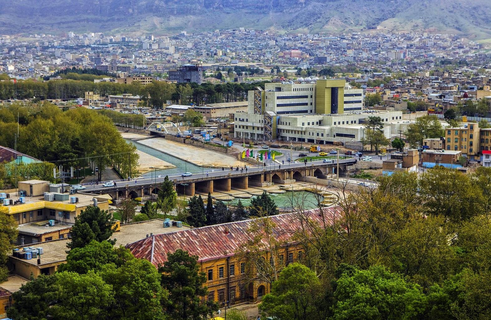 برسد به دست شهرداری و شورای شهر خرمآباد