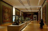 سلفی در اماکن تاریخی
