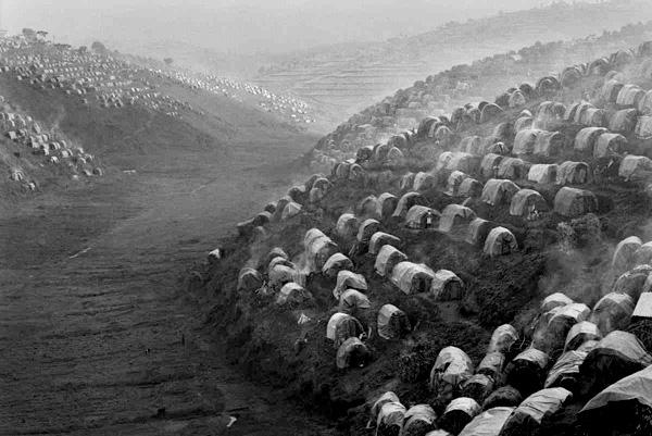 سباستیائو سالگادو عکاس فقر و وحشت