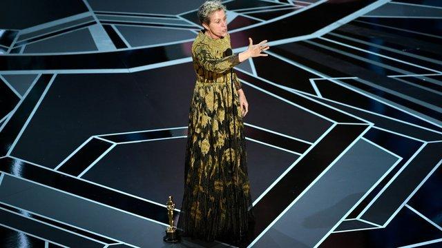 سادگی یک ستاره روی صحنه اسکار