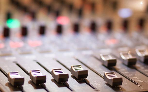 هیچ وقت به خاطر صداگذاریها به گوشهایتان اعتماد نکنید