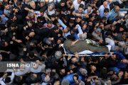 پیکر ناصر ملک مطیعی با انتقاد از صداوسیما بدرقه شد