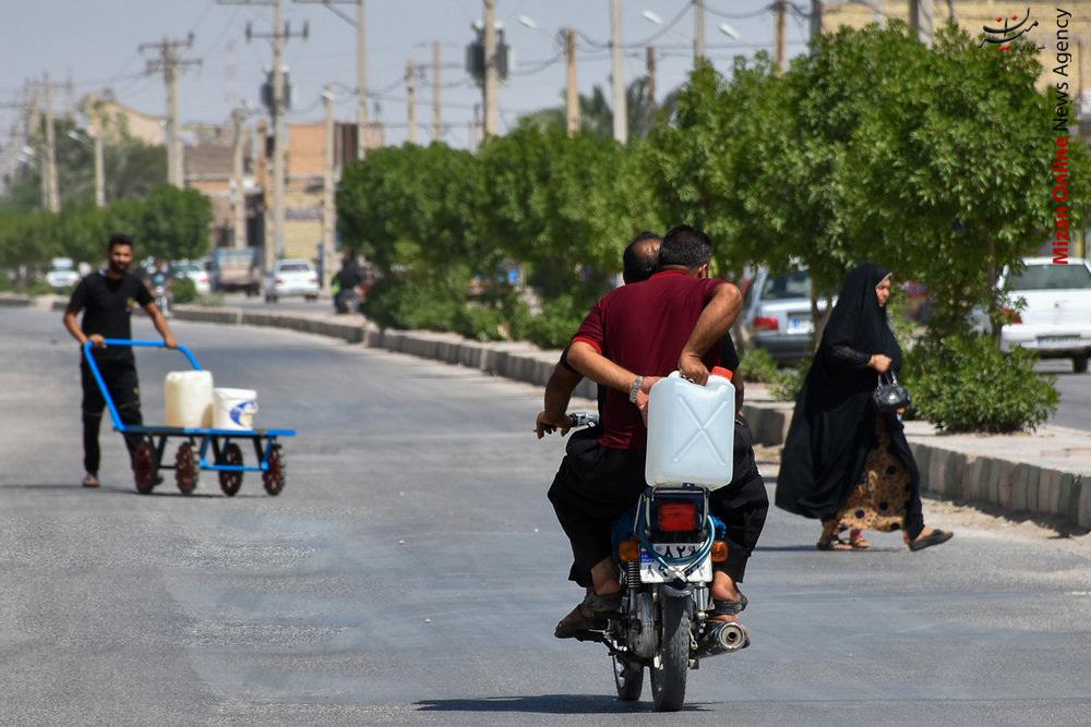 بر سر مردم خوزستان منت نگذارید