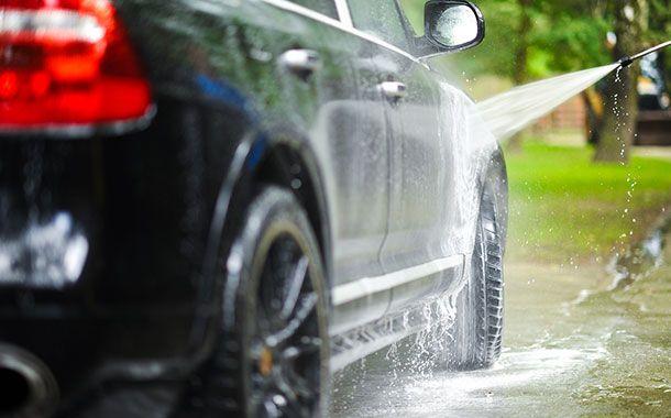شستن ماشین با آب خوردن