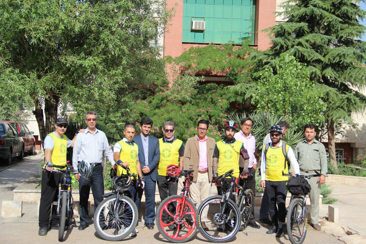 دوچرخهسواران حامی محیط زیست به قزوین رسیدند