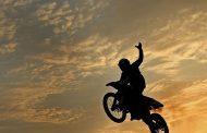 برای موتورسواری بانوان هیچ قانونی وجود ندارد
