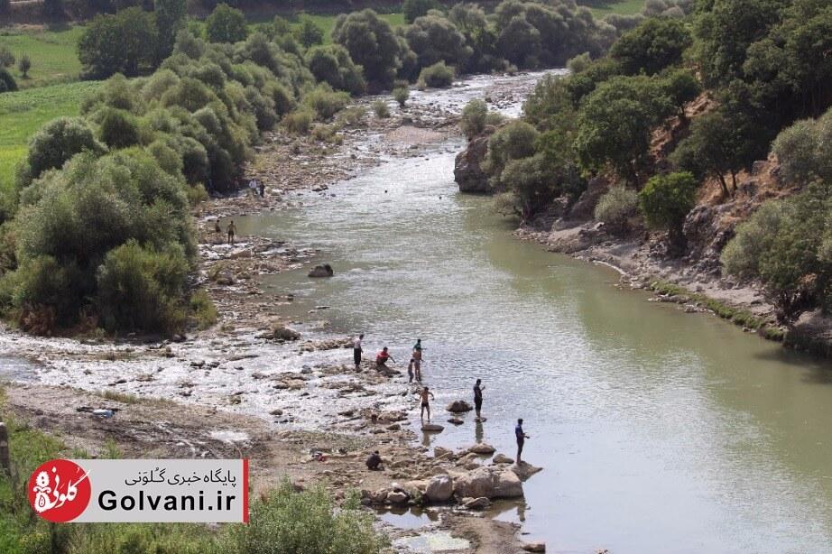 شنا و تفریح در رودخانه زاب در آذربایجان غربی