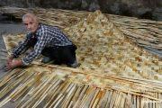 صنایع دستی حصیری در کیش اشکال مختلفی دارد مانند انواع سبد زیر انداز و بادبزن