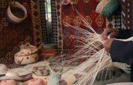 صنایع دستی ایران تنوع بسیار زیادی دارد و به گروه های مختلفی تقسیم میشود