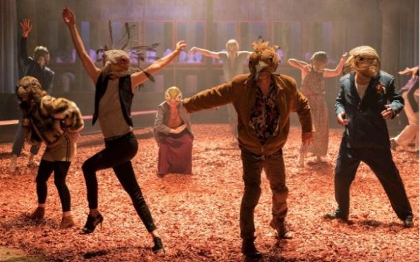 تئاتر مجمع مرغان عطار در فرانسه به روی صحنه میرود