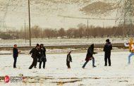 برف بازی خانوادههای خرم آبادی در منطقه بیرانشهر