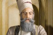 کریم خان زند پادشاه ایرانی زاده لرستان بود او را بیشتر بشناسید و از زندگیاش بدانید