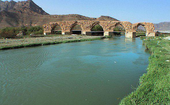 قلعه تاریخی فلک الافلاک و پلهای تاریخی لرستان ثبت جهانی میشود