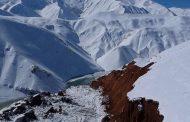 سیزده متر برف در ارتفاعات الیگودرز لرستان بحران آفرید و باعث زمین لغزش شد