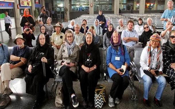 گردشگران آمریکایی به خاطر مفسدان اقتصادی و اختلاسگران به ایران سفر میکنند