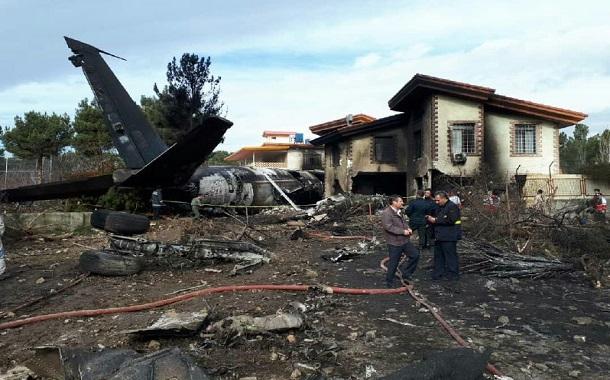 ازدحام و تجمع در اطراف مکان سقوط هواپیما به معنی گشنه بودن ماست
