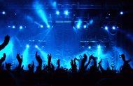 کنسرت نوروزی خوانندگان محبوب ایرانی و حال خوش تماشاگران این کنسرتها