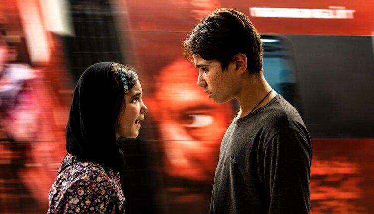 روح الله زمانی بازیگر فیلم خورشید در ونیز درخشید