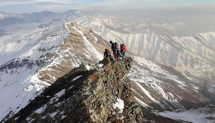 مسیر صعود قله آتشکوه و چگونگی صعود به آن را بخوانید