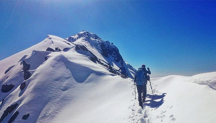 صعود به قله پورا از کدام مسیر کوهنوردی امکانپذیر است؟