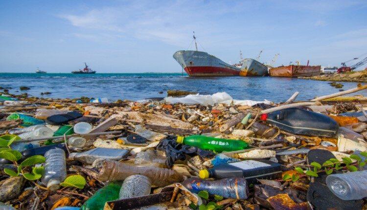 ضایعات پلاستیکی کدام کشورها شریان اقیانوسها را بند آورده؟