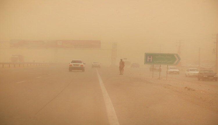 توفان در سیستان ۲۶۱ نفر را روانه بیمارستان کرد
