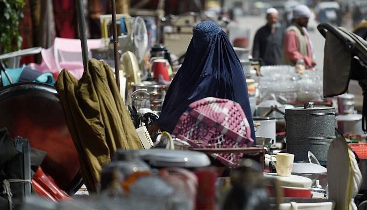 گریه های یک زن از کابل هنگام نام بردن از ایران